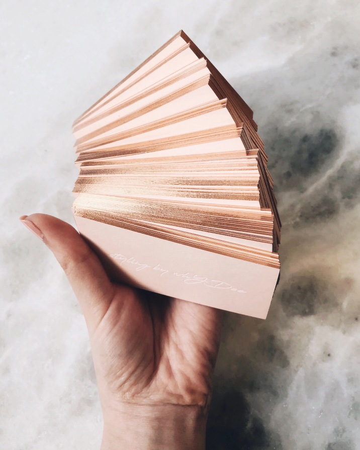 STYLING BY WHY DEE / white foil on blush with rose gold edging. Photo by @why__dee