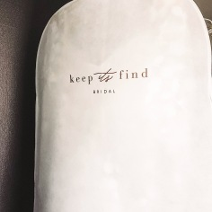 KEEP ITS FIND BRIDAL / branding on dress bag