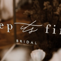 KEEP ITS FIND BRIDAL / branding. Photo / @esthervangeenenphotography